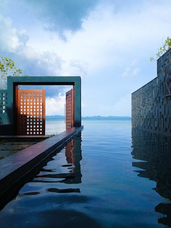 Ratsada, Thailand: Private Swimming Pool in Beachfront Pool Suite