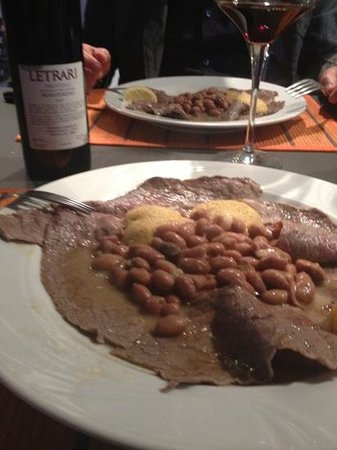 Osteria La Contrada: carne salada e buona compagnia!