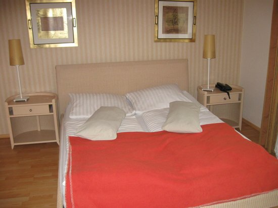 HOTEL HAUS ROEDGEN Prices & Reviews Wilnsdorf Germany