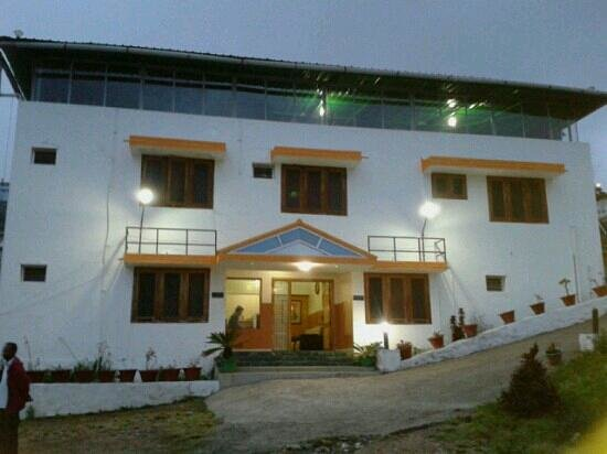 Nakshatra inn prices hotel reviews kodaikanal india tripadvisor for Resorts in kodaikanal with swimming pool