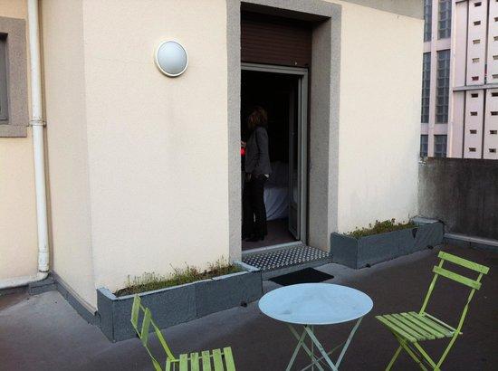 Hotel AKENA HF: Terrasse privative de la chambre