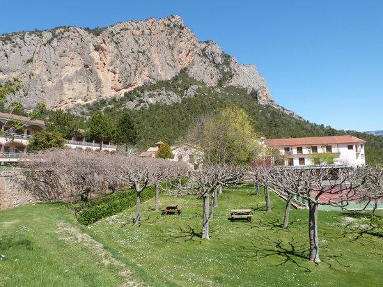 Can Boix de Peramola: Breathtaking Mountains Surrounding Can Boix