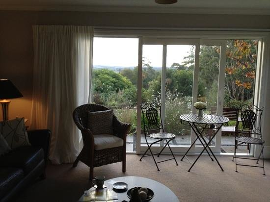Treghan Luxury Lodge: our lounge room overlooking the garden