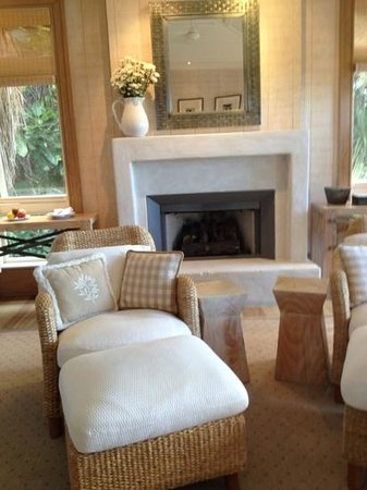 The Lodge at Kauri Cliffs: the bedroom with the toasty fire