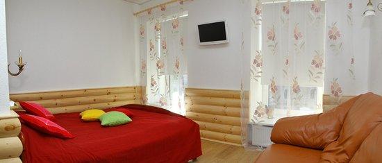 """Guest House """"Nevskiy 126"""" : апартаменты """"Русская деревня"""""""