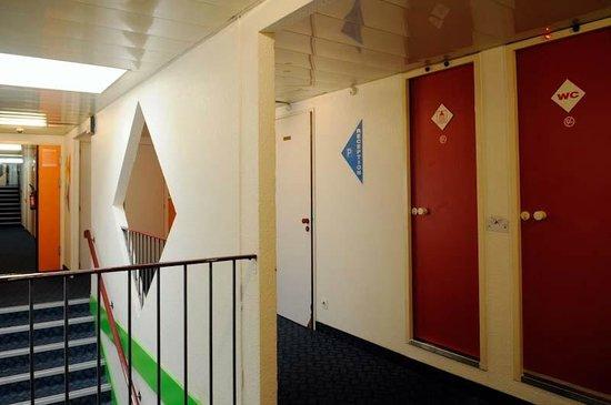 Lemon Hotel - Tourcoing: Bathroom