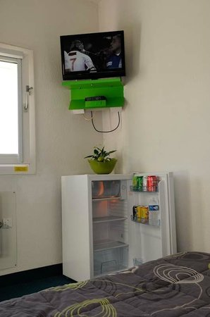 Lemon Hotel: TV & Frigo