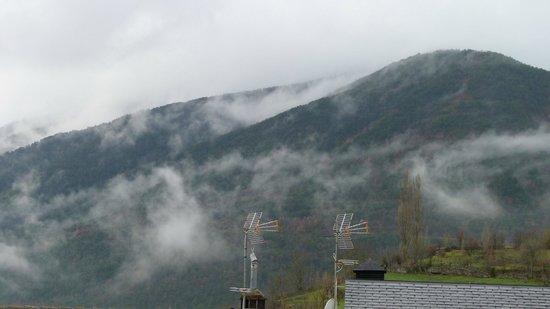 Hotel Sorrosal : Vista desde nuestra habitación. Amanecer nubloso.