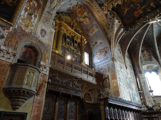 Umbria, Italy: Орган