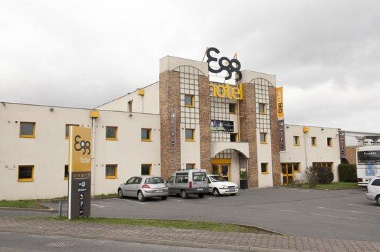 Egg Hotel Goussainville CDG : Extérieur