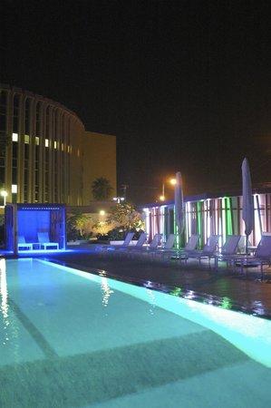 Novotel Dakar: Exterieur Piscine