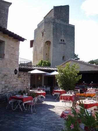 Hotel-Restaurant Les Hospitaliers: Vue donjon