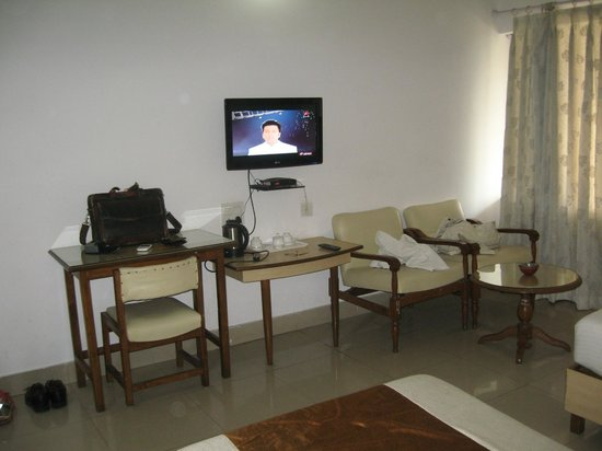 Kalchuri Residency: AC Room
