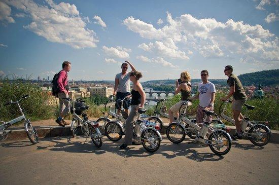 I Like EBike : Summer park and bridges of Prague