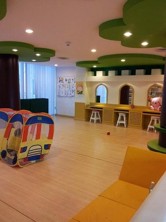 Deevana Plaza Krabi Aonang: Beautiful and spacious Kids Center