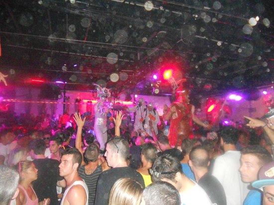 Row14: Fiesta grandeeeeee :)
