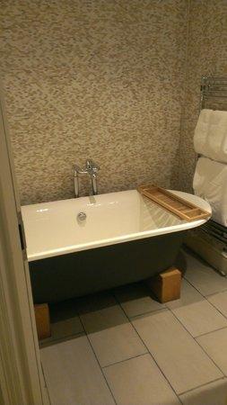 The White Star Tavern: Roll Top Bath