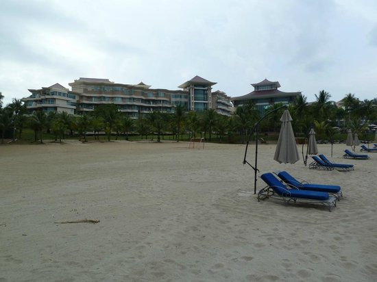 The Empire Hotel & Country Club: The hotel seen from the beach
