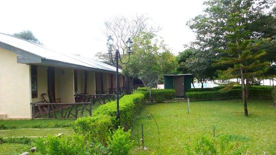 Wila Safari Hotel: Zimmer am See
