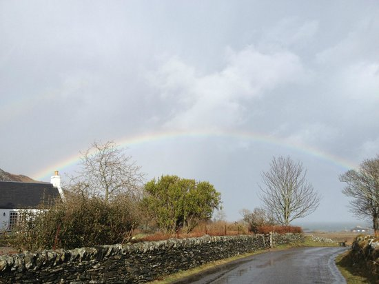 The Colonsay: Rainbow over the hotel