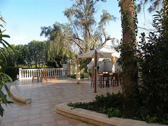 Hotel Villa Bensusan: Terraza