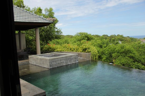 Banyan Tree Ungasan, Bali: منظر الجاكوزي والمسبح