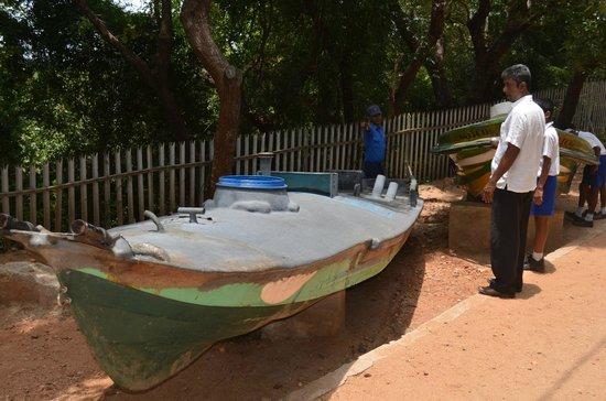 Trincomalee, Sri Lanka: LTTE suicide boat