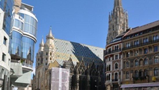 Marieta-Vienna  Tours