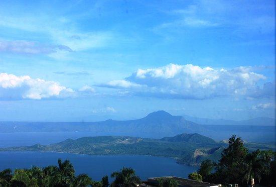 Summit Ridge Tagaytay: taal lake