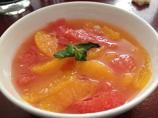 Le Dokhan's, a Tribute Portfolio Hotel: salade fruit du petit déjeuner au dokhans