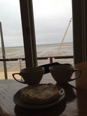 Red Inn: coffee with a view