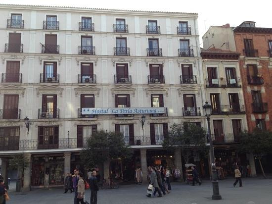 Hostal la Perla Asturiana: vue de l'hôtel
