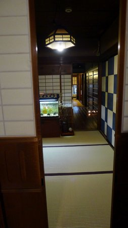 Guesthouse Kingyoya: From the twin room, out to the hall leading to the lounge/meal area