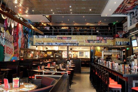 Photo of American Restaurant TGI Friday's at 3 Platia Aristotelous, Thessaloniki 546 24, Greece
