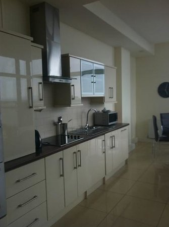 Citypoint Holiday Apartments: kitchen