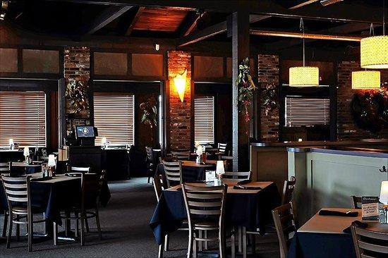 Chardonnay's Restaurant: Dining Room