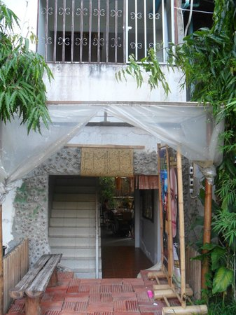 Deejai Backpackers: du jardin à l'auberge
