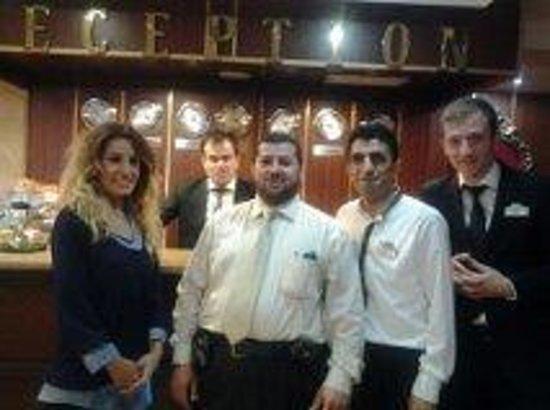 Balin Boutique Hotel: مع  موظفين الفندق