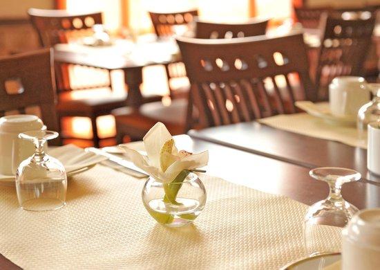 Cerise Maisons-Laffitte : Salle de petit déjeuner