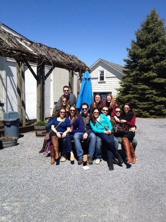 North Fork Wine Tours: Group at Lenz