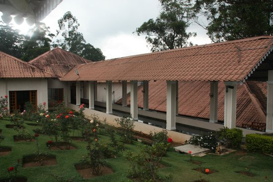 KTDC Tea County Munnar: Hotel Grounds