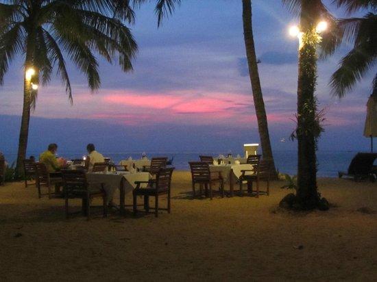 Dining at sunset at Khaolak Paradise Resort