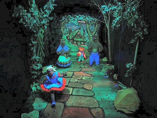 3e55856e33c9 goldilocks in fairyland - Picture of Rock City Gardens