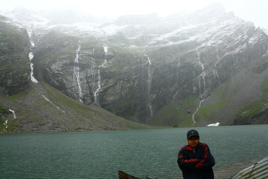 Chamoli, India: Hemkund lake