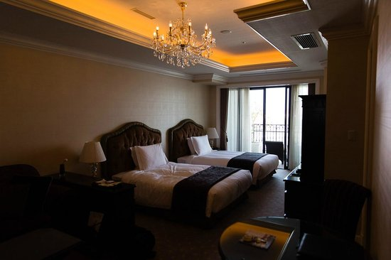 Hotel La Suite Kobe Harborland: Spacious room