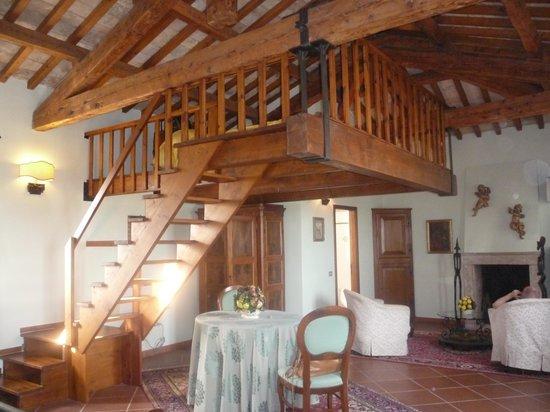 Locanda di Villa Torraccia: parte del letto sospeso