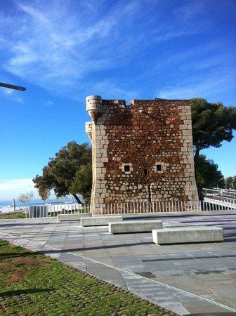 Hotel Tramontana: Torre Sant Vicent junto al Hotel
