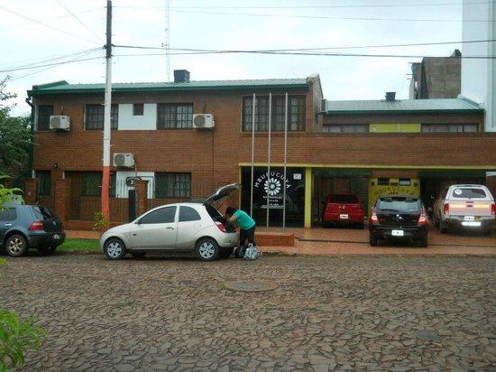 Mburucuyá Residences : frente del hotel