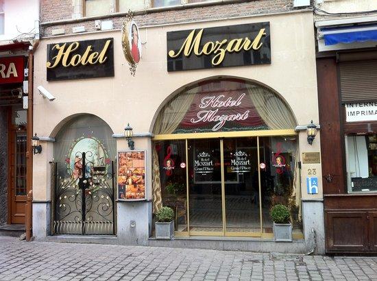 Hotel Mozart: Entrée