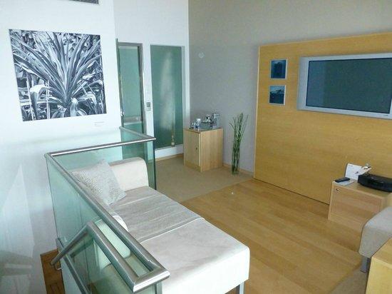 Le Meridien Hamburg Wohnzimmer Im Oberen Stockwerk Der Duplexsuite